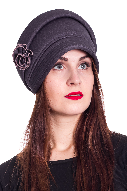 ШапкаШапки<br>Красивая шапка с подкладом из флиса защитит Вас от непогоды и станет прекрасным дополнением Вашего образа.  Цвет: графитовый  Размер 56-58 равен обхвату головы в сантиметрах.  Обхват головы измеряется по лобной части над уровнем бровей (на 2-3 сантиметра выше) и по самой выпуклой затылочной части.<br><br>По материалу: Трикотаж<br>По рисунку: Однотонные<br>По сезону: Осень,Зима<br>По элементам: С декором<br>Размер : universal<br>Материал: Трикотаж<br>Количество в наличии: 1
