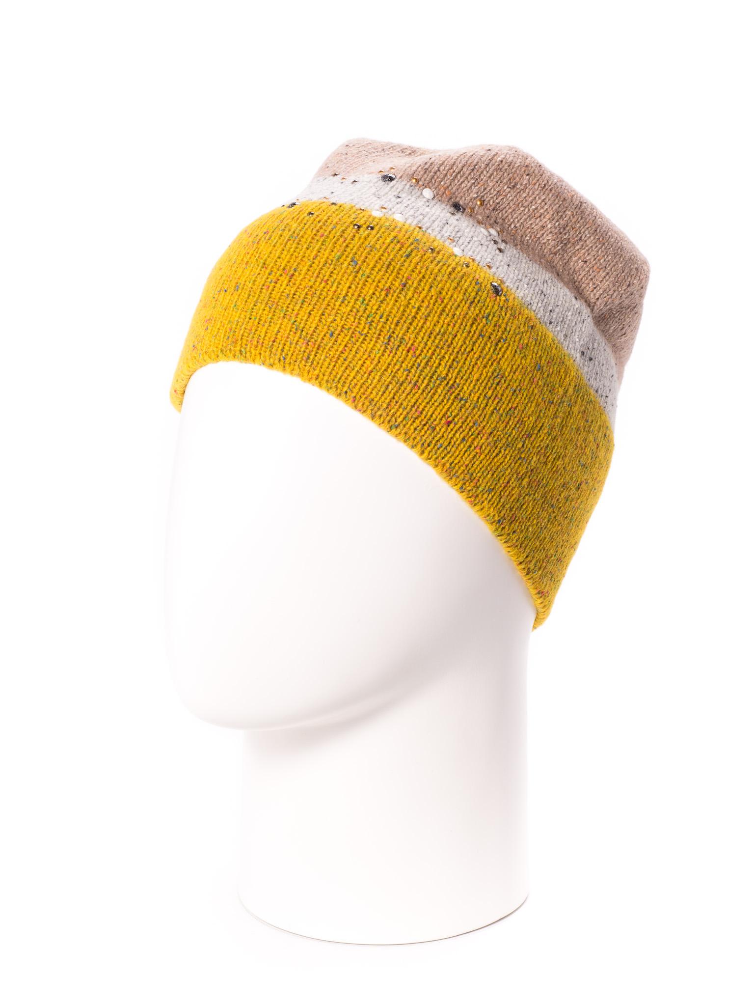 ШапкаШапки<br>Стильная шапка защитит Вас от непогоды и станет прекрасным дополнением Вашего образа.  В изделии использованы цвета: желтый, бежевый<br><br>По материалу: Вязаные<br>По рисунку: В полоску,Цветные<br>По сезону: Зима<br>Размер : universal<br>Материал: Вязаное полотно<br>Количество в наличии: 1
