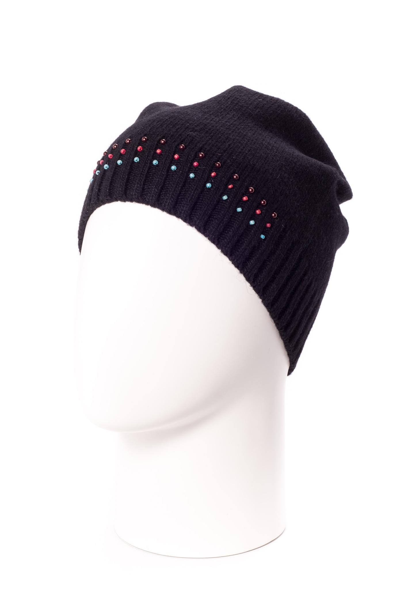 ШапкаШапки<br>Стильная шапка защитит Вас от непогоды и станет прекрасным дополнением Вашего образа.  В изделии использованы цвета: черный<br><br>По материалу: Вязаные<br>По рисунку: Однотонные<br>По элементам: С декором<br>По сезону: Зима<br>Размер : universal<br>Материал: Вязаное полотно<br>Количество в наличии: 1