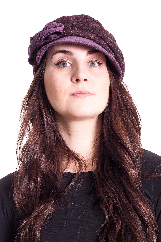 КепкаКепки<br>Чудесная кепка на подкладе защитит Вас от непогоды и станет прекрасным дополнением Вашего образа.  Цвет: фиолетовый  Размер universal (56-58) равен обхвату головы в сантиметрах  Обхват головы измеряется по лобной части над уровнем бровей (на 2-3 сантиметра выше) и по самой выпуклой затылочной части.<br><br>По сезону: Осень,Весна<br>Размер : universal<br>Материал: Пальтовая ткань<br>Количество в наличии: 1