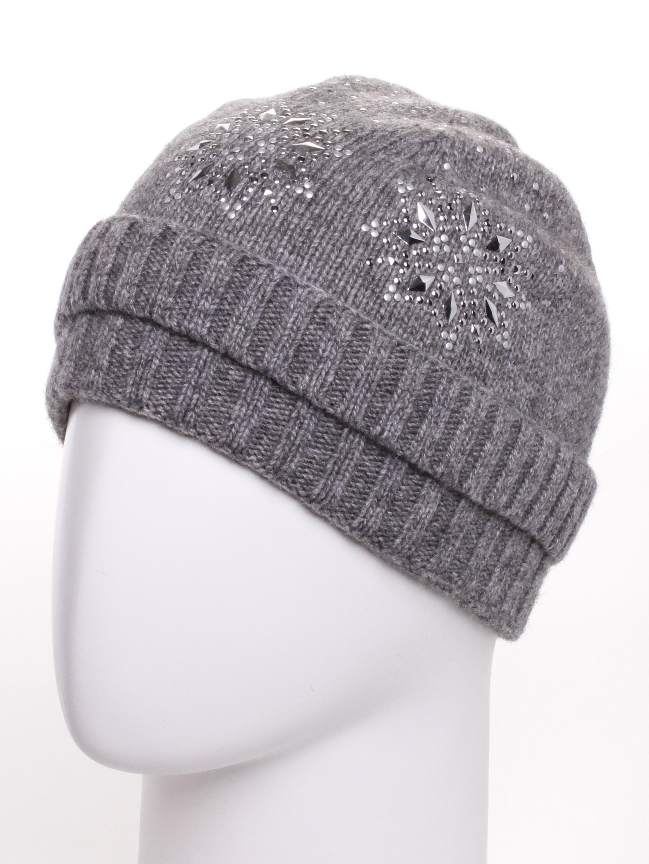 ШапкаШапки<br>Красивая шапка подарит Вам тепло и комфорт.  Стильный аксессуар защитит Вас от непогоды и станет прекрасным дополнением Вашего образа.  В изделии использованы цвета: серый<br><br>По материалу: Вязаные<br>По рисунку: Однотонные<br>По элементам: С декором<br>По сезону: Зима<br>Размер : universal<br>Материал: Вязаное полотно<br>Количество в наличии: 1