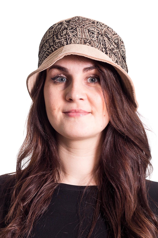 ШляпаШляпы<br>Чудесная шляпа на подкладе защитит Вас от непогоды и станет прекрасным дополнением Вашего образа.  В изделии использованы цвета: бежевый, черный  Размер universal (56-58) равен обхвату головы в сантиметрах  Обхват головы измеряется по лобной части над уровнем бровей (на 2-3 сантиметра выше) и по самой выпуклой затылочной части.<br><br>По сезону: Осень,Весна<br>Размер : universal<br>Материал: Натуральная кожа<br>Количество в наличии: 1