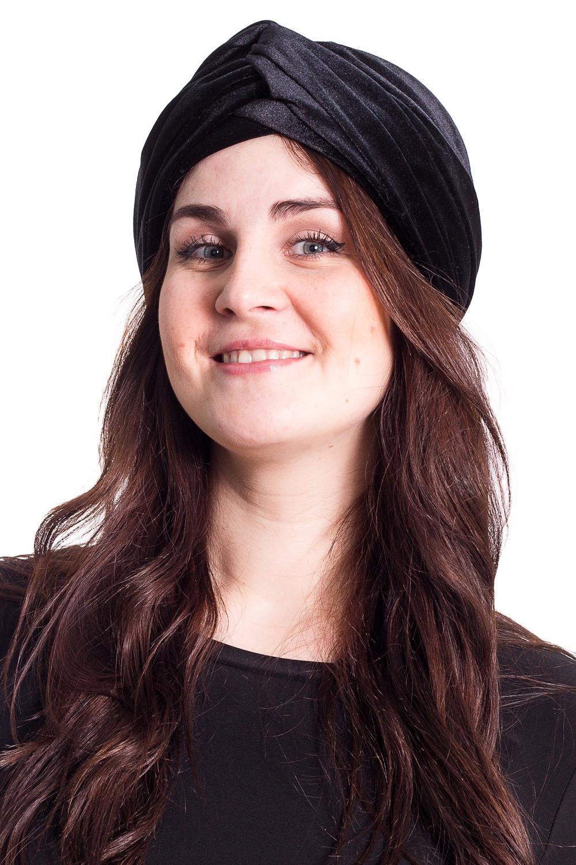 ЧалмаШапки<br>Стильная чалма на подкладе из флиса защитит Вас от непогоды и станет прекрасным дополнением Вашего образа.  В изделии использованы цвета: черный  Размер universal (56-58) равен обхвату головы в сантиметрах  Обхват головы измеряется по лобной части над уровнем бровей (на 2-3 сантиметра выше) и по самой выпуклой затылочной части.<br><br>По рисунку: Однотонные<br>По элементам: С подкладом<br>По сезону: Осень,Весна<br>Размер : universal<br>Материал: Бархат<br>Количество в наличии: 1