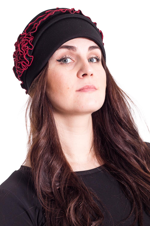 ШапкаШляпы<br>Чудесная шляпа с подкладом из флиса защитит Вас от непогоды и станет прекрасным дополнением Вашего образа.  В изделии использованы цвета: черный, красный  Размер universal (56-58) равен обхвату головы в сантиметрах  Обхват головы измеряется по лобной части над уровнем бровей (на 2-3 сантиметра выше) и по самой выпуклой затылочной части.<br><br>По сезону: Осень,Весна<br>Размер : universal<br>Материал: Трикотаж<br>Количество в наличии: 1