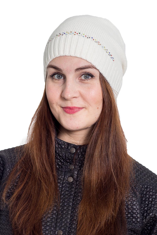 ШапкаШапки<br>Однотонная шапка подарит Вам тепло и комфорт.  Стильный аксессуар защитит Вас от непогоды и станет прекрасным дополнением Вашего образа.  В изделии использованы цвета: белый<br><br>По материалу: Вязаные<br>По рисунку: Однотонные<br>По сезону: Зима,Осень,Весна<br>По элементам: С декором<br>Размер : universal<br>Материал: Вязаное полотно<br>Количество в наличии: 1