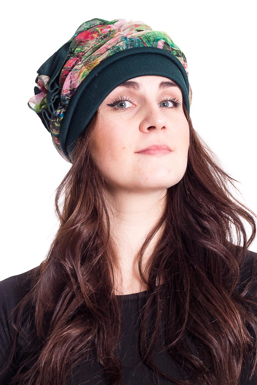 ШапкаШапки<br>Стильная шапка на подкладе из флиса защитит Вас от непогоды и станет прекрасным дополнением Вашего образа.  В изделии использованы цвета: зеленый и др.  Размер universal (54-55) равен обхвату головы в сантиметрах  Обхват головы измеряется по лобной части над уровнем бровей (на 2-3 сантиметра выше) и по самой выпуклой затылочной части.<br><br>По рисунку: С принтом,Цветные<br>По элементам: С декором,С подкладом<br>По сезону: Осень,Весна<br>Размер : universal<br>Материал: Трикотаж<br>Количество в наличии: 1