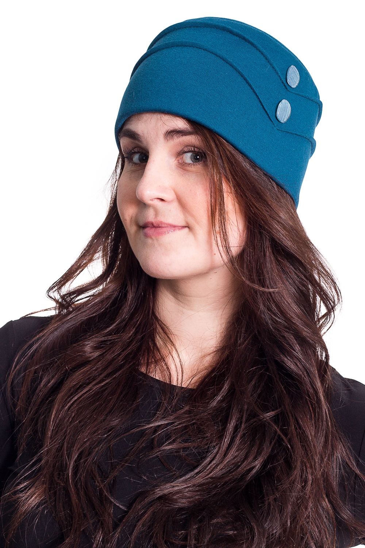 ШапкаШапки<br>Стильная шапка защитит Вас от непогоды и станет прекрасным дополнением Вашего образа.  В изделии использованы цвета: синий  Размер universal (56-58) равен обхвату головы в сантиметрах  Обхват головы измеряется по лобной части над уровнем бровей (на 2-3 сантиметра выше) и по самой выпуклой затылочной части.<br><br>По рисунку: Однотонные<br>По элементам: С декором<br>По сезону: Осень,Весна<br>Размер : universal<br>Материал: Трикотаж<br>Количество в наличии: 1