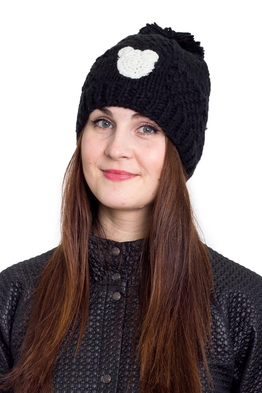 ШапкаШапки<br>Однотонная шапка подарит Вам тепло и комфорт.  Стильный аксессуар защитит Вас от непогоды и станет прекрасным дополнением Вашего образа.  В изделии использованы цвета: черный, белый<br><br>По материалу: Вязаные<br>По рисунку: Однотонные<br>По сезону: Зима,Осень,Весна<br>По элементам: С декором,С помпоном<br>Размер : universal<br>Материал: Вязаное полотно<br>Количество в наличии: 1