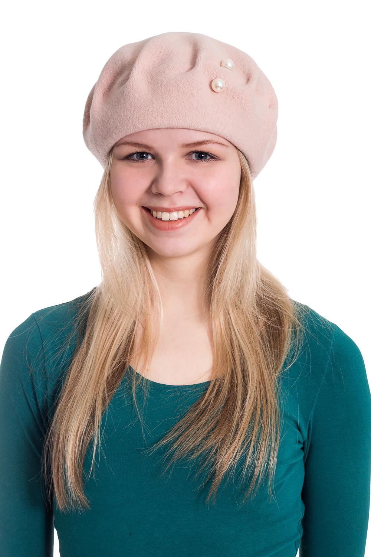 БеретБереты<br>Берет с защипами и бусинами защитит Вас от непогоды и станет прекрасным дополнением Вашего образа.В изделии использованы цвета: розовая пудраРазмер universal (56) равен обхвату головы в сантиметрахОбхват головы измеряется по лобной части над уровнем бровей (на 2-3 сантиметра выше) и по самой выпуклой затылочной части.<br><br>Сезон: Осень,Весна<br>Размер : universal<br>Материал: Вязаное полотно<br>Количество в наличии: 2