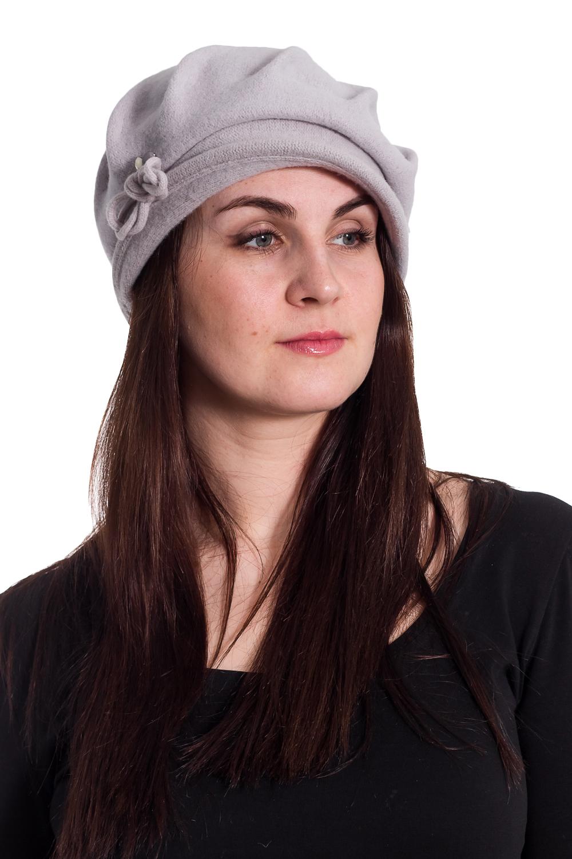 ШляпаШляпы<br>Шляпа из войлока на основе берета с декором из шнура и бусин защитит Вас от непогоды и станет прекрасным дополнением Вашего образа.  В изделии использованы цвета: серый  Размер universal (56) равен обхвату головы в сантиметрах  Обхват головы измеряется по лобной части над уровнем бровей (на 2-3 сантиметра выше) и по самой выпуклой затылочной части.<br><br>По сезону: Осень,Весна<br>Размер : universal<br>Материал: Вязаное полотно<br>Количество в наличии: 2