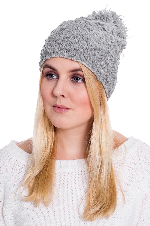 ШапкаШапки<br>Вязаная шапка подарит Вам тепло и комфорт, а так же подчеркнет Вашу женственность и станет прекрасным дополнением Вашего образа.  Цвет: серый<br><br>По материалу: Вязаные,Трикотаж<br>По рисунку: Однотонные<br>По элементам: С помпоном<br>По сезону: Зима<br>Размер : universal<br>Материал: Вязаное полотно<br>Количество в наличии: 1
