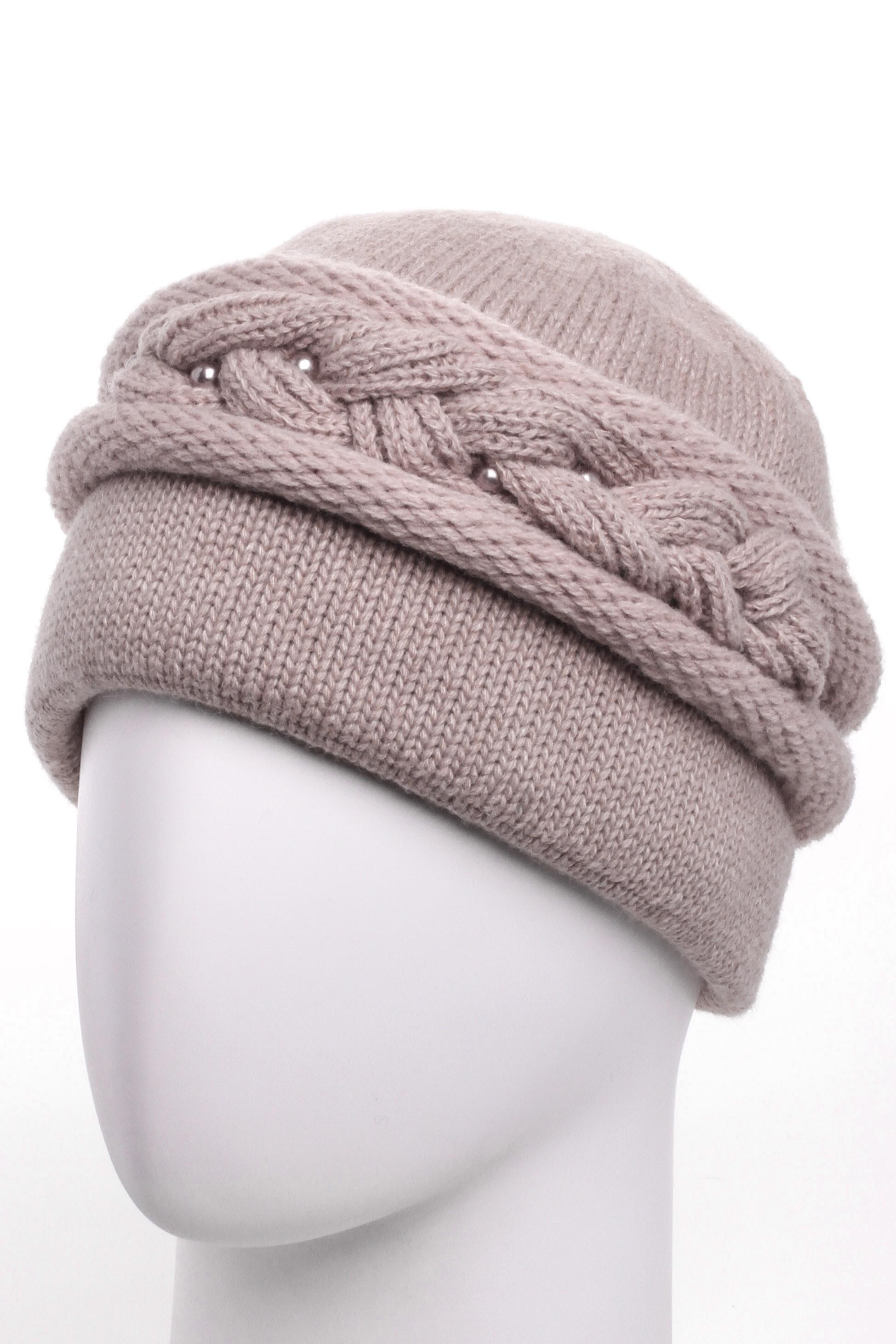 ШапкаШапки<br>Красивая шапка подарит Вам тепло и комфорт.  Стильный аксессуар защитит Вас от непогоды и станет прекрасным дополнением Вашего образа.  Цвет: бежевый<br><br>По материалу: Вязаные,Трикотаж<br>По рисунку: Однотонные<br>По элементам: С декором<br>По сезону: Зима<br>Размер : universal<br>Материал: Вязаное полотно<br>Количество в наличии: 1