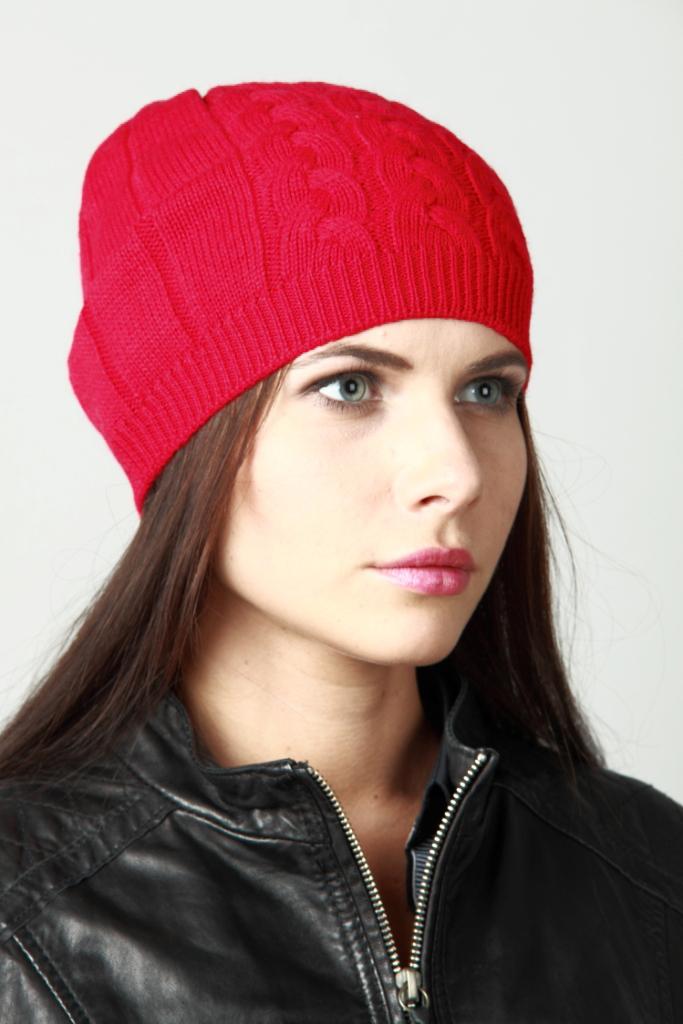 ШапкаШапки<br>Шапка цельновязаная, декориврована ажурной вязкой. Сезон: осень/весна Головной убор стандартного размера 56-58 см.  Шерстяная шапка подарит Вам тепло и комфорт.  Стильная шапка подчеркнет Вашу женственность и станет прекрасным дополнением Вашего образа.  Цвет: красный<br><br>По материалу: Вязаные,Шерсть,Трикотаж<br>По рисунку: Однотонные<br>По сезону: Весна,Осень<br>Размер : universal<br>Материал: Шерсть<br>Количество в наличии: 1