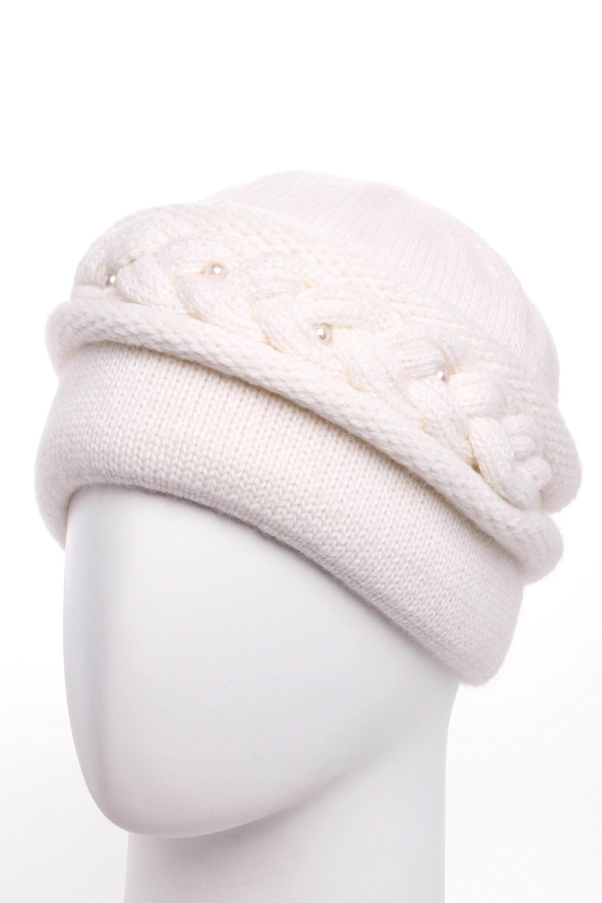 ШапкаШапки<br>Красивая шапка подарит Вам тепло и комфорт.  Стильный аксессуар защитит Вас от непогоды и станет прекрасным дополнением Вашего образа.  Цвет: белый<br><br>По материалу: Вязаные,Трикотаж<br>По рисунку: Однотонные<br>По элементам: С декором<br>По сезону: Зима<br>Размер : universal<br>Материал: Вязаное полотно<br>Количество в наличии: 1