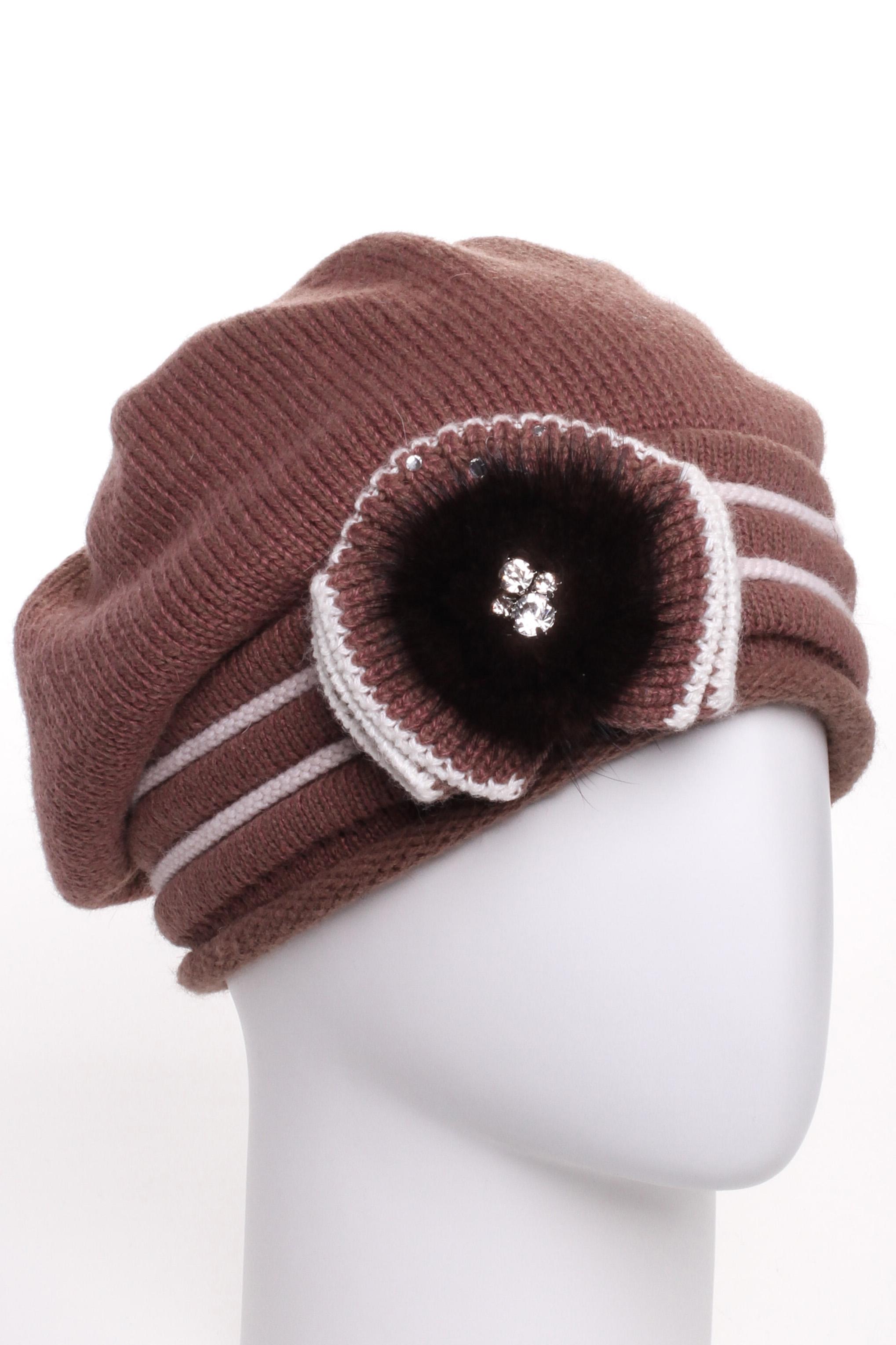 БеретБереты<br>Шерстяной беретик подарит Вам тепло и комфорт.  Стильный берет подчеркнет Вашу женственность и станет прекрасным дополнением Вашего образа.  Цвет: коричневый и др.<br><br>По сезону: Зима<br>Размер : universal<br>Материал: Вязаное полотно<br>Количество в наличии: 1