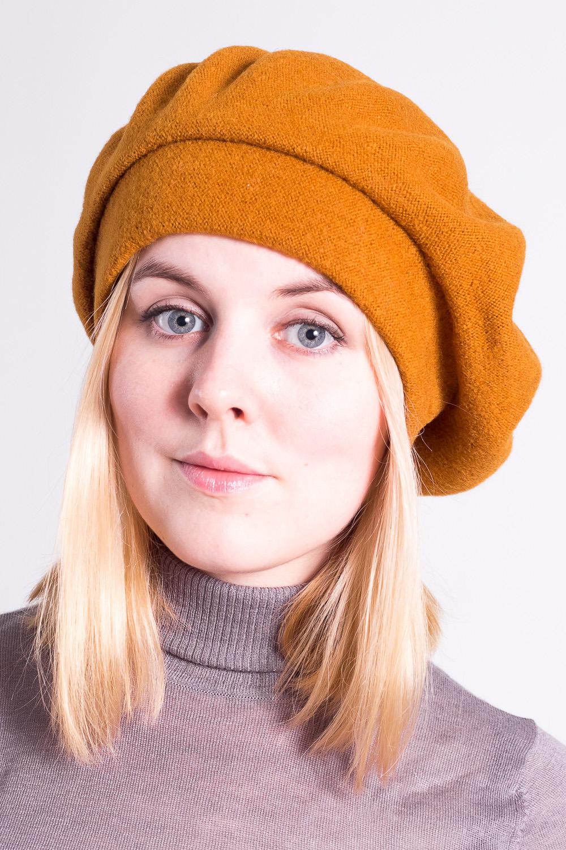 БеретБереты<br>Шерстяной беретик подарит Вам тепло и комфорт.  Стильный берет подчеркнет Вашу женственность и станет прекрасным дополнением Вашего образа.  Головной убор стандартного размера 56-58 см.  Цвет: горчичный<br><br>По сезону: Зима<br>Размер : universal<br>Материал: Шерсть<br>Количество в наличии: 1