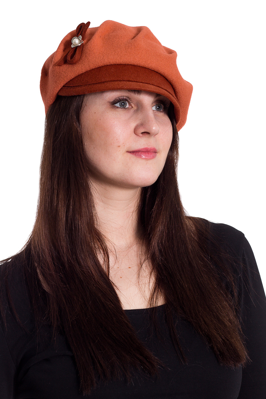 КепкаКепки<br>Кепка на основе берета с козырьком из фетра защитит Вас от непогоды и станет прекрасным дополнением Вашего образа.  В изделии использованы цвета: оранжевый  Размер universal (56) равен обхвату головы в сантиметрах  Обхват головы измеряется по лобной части над уровнем бровей (на 2-3 сантиметра выше) и по самой выпуклой затылочной части.<br><br>По сезону: Осень,Весна<br>Размер : universal<br>Материал: Вязаное полотно<br>Количество в наличии: 2