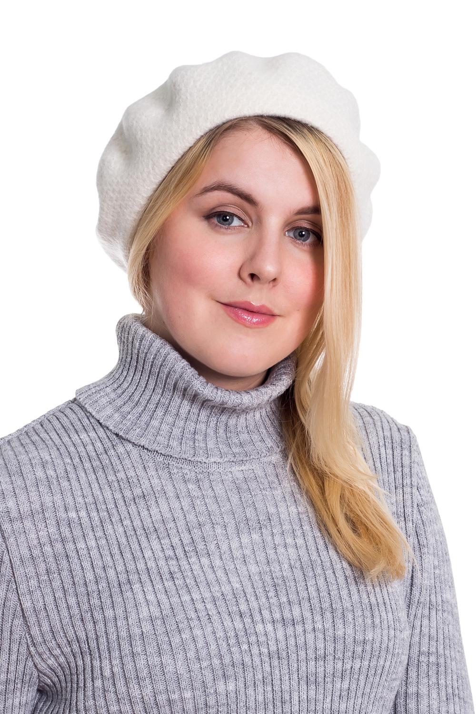 БеретБереты<br>Шерстяной беретик подарит Вам тепло и комфорт.  Стильный берет подчеркнет Вашу женственность и станет прекрасным дополнением Вашего образа.  Головной убор стандартного размера 56-58 см.  Цвет: белый<br><br>По сезону: Осень,Весна<br>Размер : universal<br>Материал: Вязаное полотно<br>Количество в наличии: 2