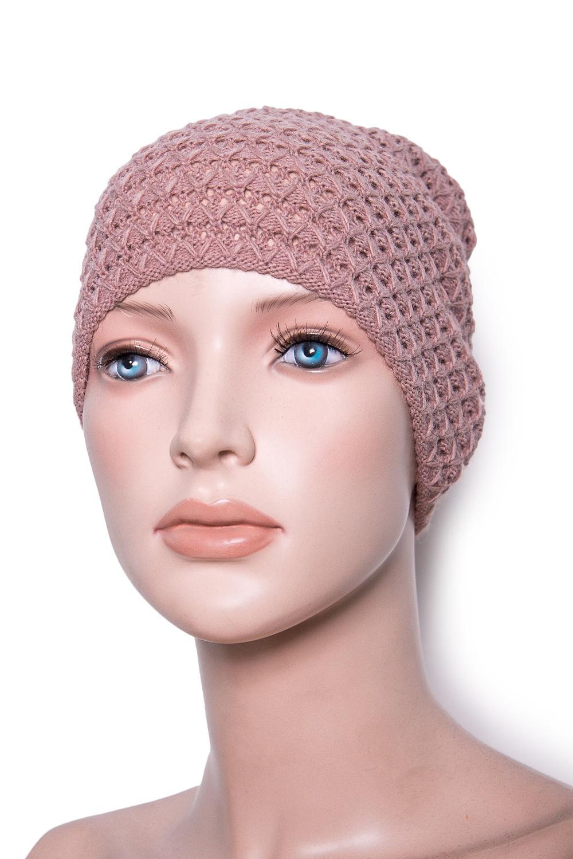ШапкаШапки<br>Красивая шапка защитит Вас от непогоды и станет прекрасным дополнением Вашего образа.  Цвет: какао<br><br>По материалу: Вязаные,Трикотаж<br>По рисунку: Однотонные<br>По сезону: Осень,Весна<br>Размер : universal<br>Материал: Вязаное полотно<br>Количество в наличии: 1