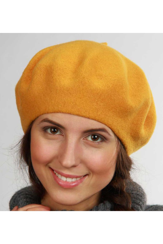 БеретБереты<br>Красивый берет защитит Вас от непогоды и станет прекрасным дополнением Вашего образа.  Цвет: оранжевый<br><br>По сезону: Осень,Весна<br>Размер : universal<br>Материал: Вязаное полотно<br>Количество в наличии: 1