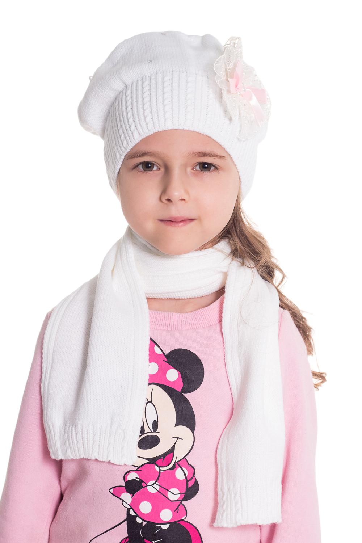 КомплектГоловные уборы<br>Шапка + шарф для девочки защитит Вашего ребенка от непогоды и поднимет настроение.  Размер равен обхвату головы в сантиметрах.  Цвет: белый  Сезон весенне-осенний.<br><br>По сезону: Осень,Весна<br>Размер : 48-52<br>Материал: Вязаное полотно<br>Количество в наличии: 1