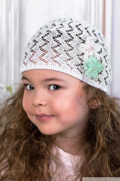 ШапкаГоловные уборы<br>Шапочка для девочки защитит Вашего ребенка от непогоды и поднимет настроение.  Цвет: белый<br><br>По сезону: Лето<br>Размер : 50<br>Материал: Вязаное полотно<br>Количество в наличии: 2