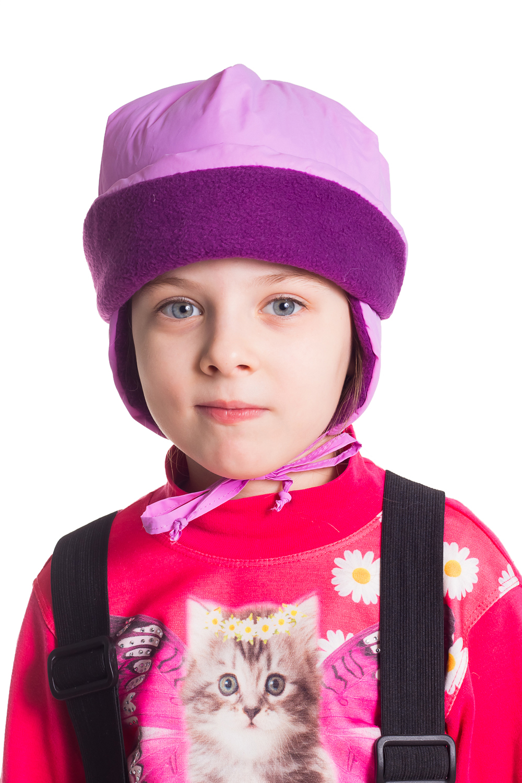 ШапкаГоловные уборы<br>Однотонная шапочка, закрывает ушки, завязывается на веревки, дополнительно утеплена флисом.  Цвет: сиреневый, фиолетовый<br><br>По сезону: Зима<br>Размер : 58<br>Материал: Полиамид<br>Количество в наличии: 1