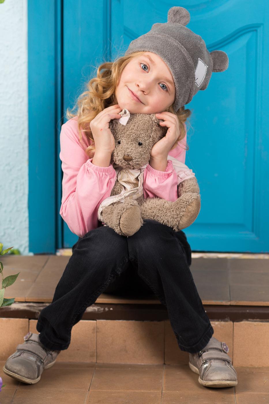 ШапкаГоловные уборы<br>Шапочка защитит Вашего ребенка от непогоды и поднимет настроение.  Размер равен обхвату головы в сантиметрах.  Цвет: серый<br><br>По сезону: Осень,Весна<br>Размер : 48-50,50-52,52-54,54-56<br>Материал: Флис<br>Количество в наличии: 4