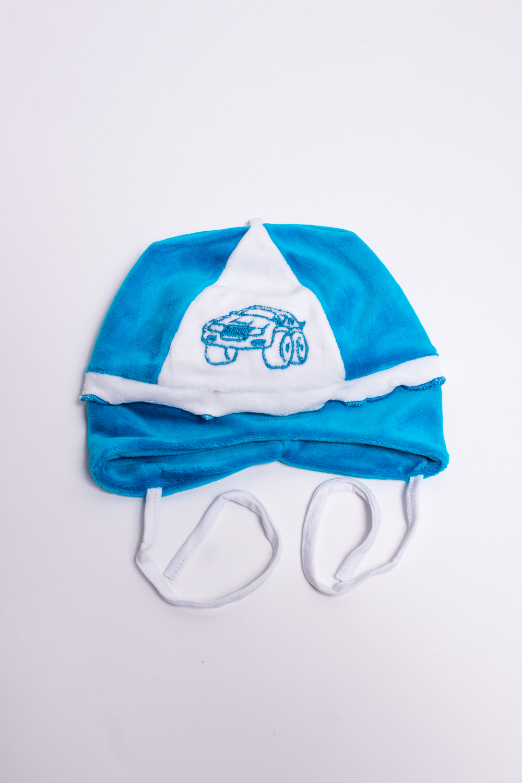 ШапкаГоловные уборы<br>Мягкая шапка для мальчикаВ изделии использованы цвета: голубой, белыйРазмер соответствует обхвату головы в сантиметрах.<br><br>Сезон: Всесезон<br>Размер : 38-40<br>Материал: Велюр<br>Количество в наличии: 1