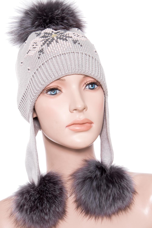 ШапкаГоловные уборы<br>Вязанная шапка с натуральным мехом.  Цвет: серый  Размер: 54-56 см.  Обхват головы измеряется по лобной части над уровнем бровей (на 2-3 сантиметра выше) и по самой выпуклой затылочной части.<br><br>По сезону: Зима<br>Размер : 54-56<br>Материал: Вязаное полотно<br>Количество в наличии: 1