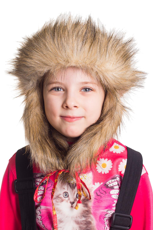 Шапка-ушанкаГоловные уборы<br>Оригинальная шапка-ушанка с возможностью разообразной конфигурации ушей  Цвет: красный, желтый, бежевый<br><br>По сезону: Зима<br>Размер : 56-58<br>Материал: Полиамид<br>Количество в наличии: 2
