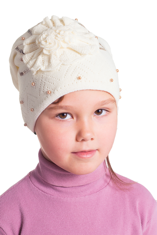 ШапкаГоловные уборы<br>Шапочка для девочки защитит Вашего ребенка от непогоды и поднимет настроение.  Цвет: молочный<br><br>По сезону: Осень,Весна<br>Размер : 50-54<br>Материал: Вязаное полотно<br>Количество в наличии: 1