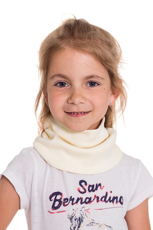 СнудПлатки и шарфы<br>Снуд защитит Вашего ребенка от непогоды и поднимет настроение.  Цвет: молочный<br><br>По сезону: Осень,Весна<br>Размер : 40-45,45-50<br>Материал: Трикотаж<br>Количество в наличии: 4