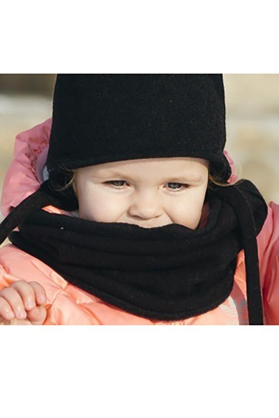 СнудПлатки и шарфы<br>Снуд для девочки защитит Вашего ребенка от непогоды и поднимет настроение.  Размер равен обхвату головы в сантиметрах.  Цвет: черный<br><br>По сезону: Зима<br>Размер : 50-54<br>Материал: Вязаное полотно<br>Количество в наличии: 1