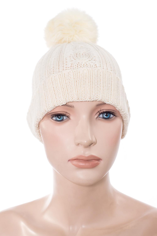 ШапкаГоловные уборы<br>Шапка с помпоном для девочки защитит Вашего ребенка от непогоды и поднимет настроение. Шапка на девочку 4-7 лет. Помпон из натурального меха.  Цвет: молочный<br><br>По сезону: Зима<br>Размер : UNI<br>Материал: Вязаное полотно<br>Количество в наличии: 1