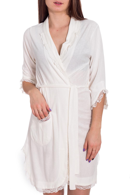 ХалатХалаты<br>Легкий халатик с гипюровой отделкой. Домашняя одежда, прежде всего, должна быть удобной, практичной и красивой. В наших изделиях Вы будете чувствовать себя комфортно, особенно, по вечерам после трудового дня. Халат без пояса.  В изделии использованы цвета: молочный  Рост девушки-фотомодели 173 см<br><br>Воротник: Шалька<br>Горловина: V- горловина,Запах<br>По длине: До колена<br>По материалу: Гипюр,Трикотаж<br>По рисунку: Однотонные<br>По силуэту: Полуприталенные<br>По элементам: С декором,С карманами<br>Рукав: Рукав три четверти<br>По сезону: Всесезон<br>Размер : 44,46,48,50<br>Материал: Трикотаж + Гипюр<br>Количество в наличии: 4