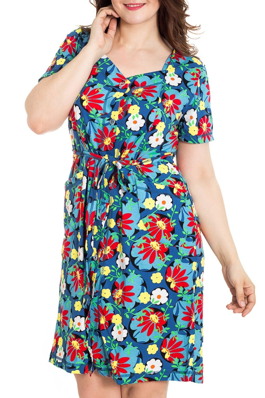 ХалатХалаты<br>Цветной халат с застежкой на пуговицы. Домашняя одежда, прежде всего, должна быть удобной, практичной и красивой. В наших изделиях Вы будете чувствовать себя комфортно, особенно, по вечерам после трудового дня. Халат без пояса.  Цвет: голубой, мультицвет  Рост девушки-фотомодели 180 см<br><br>Горловина: V- горловина<br>По рисунку: Растительные мотивы,Цветные,Цветочные,С принтом<br>По силуэту: Полуприталенные<br>По элементам: С карманами<br>Рукав: Короткий рукав<br>По сезону: Всесезон<br>По длине: Ниже колена<br>По материалу: Трикотаж,Хлопок<br>Размер : 46,48,50,52,54,56<br>Материал: Трикотаж<br>Количество в наличии: 81