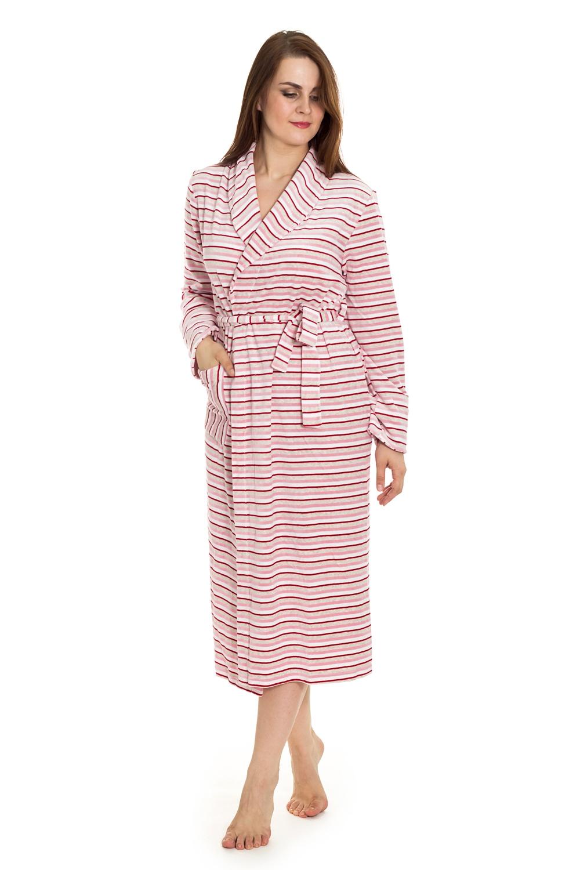 ХалатХалаты<br>Приятный велюровый халат с запахом и длинными рукавами. Домашняя одежда, прежде всего, должна быть удобной, практичной и красивой. В халате Вы будете чувствовать себя комфортно, особенно, по вечерам после трудового дня.  Цвет: розовый, красный  Рост девушки-фотомодели 180 см.<br><br>По стилю: Возрастные<br>По материалу: Хлопковые,Велюровые<br>По размеру: Маленькие размеры<br>По рисунку: В полоску,С принтом (печатью),Цветные<br>По сезону: Осень,Весна<br>По элементам: С запахом,С карманами,С поясом<br>По длине: Миди<br>Воротник: Шалька<br>Рукав: Длинный рукав,С манжетой<br>Горловина: V- горловина,Запах<br>Размер: 52<br>Материал: 80% хлопок 20% полиэстер<br>Количество в наличии: 1