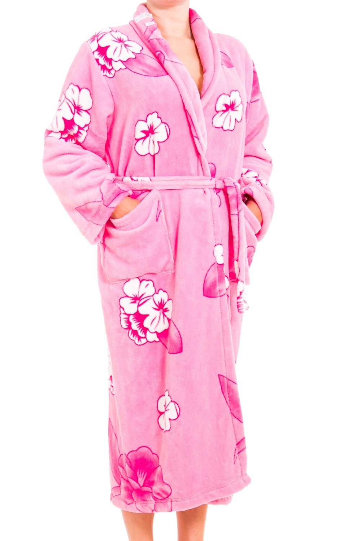 ХалатХалаты<br>Мягкий халат с длинными рукавами. Домашняя одежда, прежде всего, должна быть удобной, практичной и красивой. В нашей домашней одежде Вы будете чувствовать себя комфортно, особенно, по вечерам после трудового дня. Халат без пояса.  В изделии использованы цвета: розовый, белый  Ростовка изделия 170 см.<br><br>Горловина: V- горловина,Запах<br>По материалу: Велсофт<br>По рисунку: Растительные мотивы,Цветные,Цветочные,С принтом<br>По силуэту: Полуприталенные<br>По элементам: С карманами<br>Рукав: Длинный рукав<br>По сезону: Всесезон<br>По длине: Ниже колена<br>Размер : 52-54<br>Материал: Велсофт<br>Количество в наличии: 1