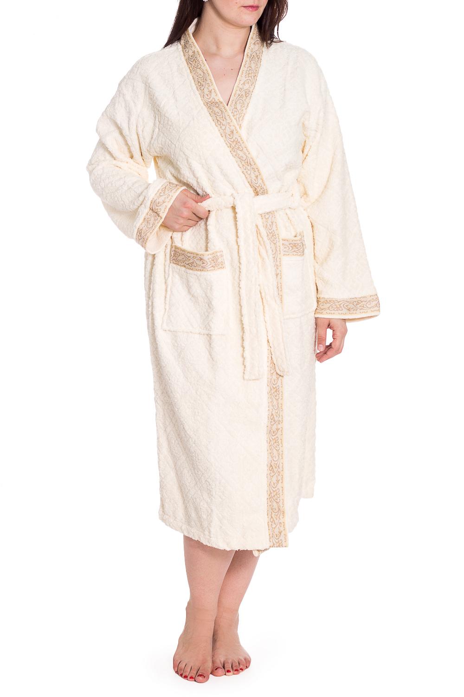 ХалатХалаты<br>Мягкий махровый халат на запах. Домашняя одежда, прежде всего, должна быть удобной, практичной и красивой. В нашей домашней одежде Вы будете чувствовать себя комфортно, особенно, по вечерам после трудового дня. Халат без пояса.  В изделии использованы цвета: молочный  Рост девушки-фотомодели 180 см<br><br>Горловина: V- горловина,Запах<br>По длине: Ниже колена<br>По материалу: Махровые,Хлопок<br>По рисунку: Однотонные<br>По элементам: С декором,С карманами<br>Рукав: Длинный рукав<br>По сезону: Всесезон<br>Размер : 50-52,58<br>Материал: Махровое полотно<br>Количество в наличии: 5