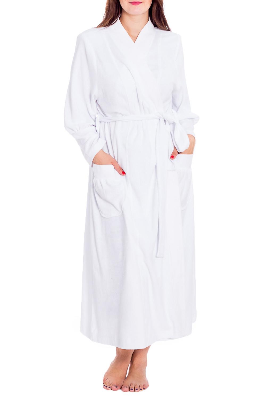 ХалатХалаты<br>Хлопковый халат на запах. Домашняя одежда, прежде всего, должна быть удобной, практичной и красивой. В нашей домашней одежде Вы будете чувствовать себя комфортно, особенно, по вечерам после трудового дня. Халат без пояса.  Цвет: белый  Рост девушки-фотомодели 180 см<br><br>Горловина: V- горловина,Запах<br>По материалу: Махровые,Хлопок<br>По рисунку: Однотонные<br>По элементам: С карманами<br>Рукав: Длинный рукав<br>По сезону: Всесезон<br>По длине: Ниже колена<br>Размер : 60,62,70,72,74,76,78<br>Материал: Махровое полотно<br>Количество в наличии: 7