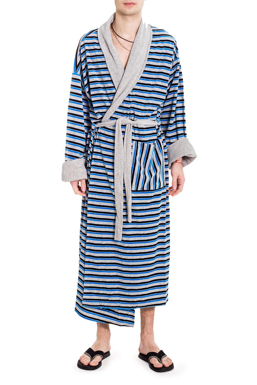 ХалатХалаты<br>Мягкий велюровый халат. Такой халат станет прекрасным подарком для каждого мужчины.  Пояс в комплект не входит.  Цвет: серый, синий  Рост мужчины-фотомодели 182 см<br><br>По сезону: Осень,Весна<br>Размер : 58<br>Материал: Велюр<br>Количество в наличии: 2