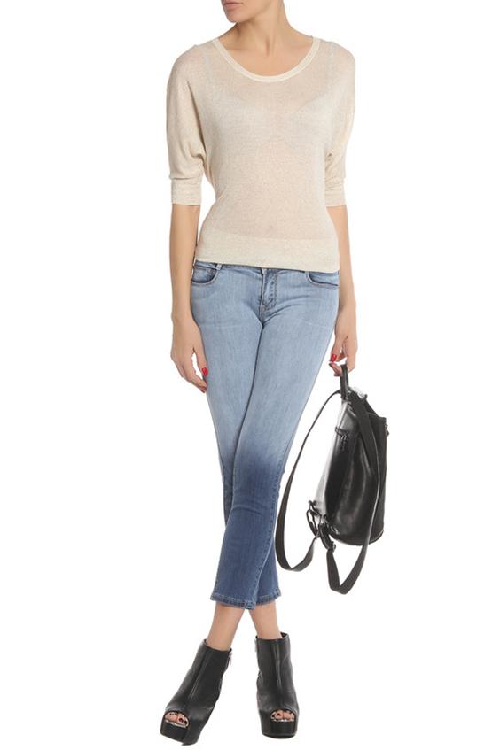 ДжинсыДжинсы<br>Укороченные джинсы с эффектом амбре. Модель выполнена из приятной джинсовой ткани. Отличный выбор для повседневного гардероба.  В изделии использованы цвета: сине-голубой  Ростовка изделия L33, что соотвествует длине штанины по внутреннему шву 83-84 см., ростовка 170-178 см.  Размер соответствует объему (W): 24 размер - обхват талии 58-60,5 см., обхват бедер 89-91,5 см. 25 размер - обхват талии 60,5-63 см., обхват бедер 91,5-94 см. 26 размер - обхват талии 63-65,5 см., обхват бедер 94-96,5 см. 27 размер - обхват талии 65,5-68 см., обхват бедер 96,5-99 см. 28 размер - обхват талии 68-70,5 см., обхват бедер 99-101,5 см. 29 размер - обхват талии 70,5-73 см., обхват бедер 101,5-104 см. 30 размер - обхват талии 73-75,5 см., обхват бедер 104-106,5 см. 31 размер - обхват талии 75,5-78 см., обхват бедер 106,5-110 см. 32 размер - обхват талии 78-80,5 см., обхват бедер 110-113,5 см. 33 размер - обхват талии 80,5-83 см., обхват бедер 113,5-118 см. 34 размер - обхват талии 83-85,5 см., обхват бедер 118-123 см. 35 размер - обхват талии 85,5-88 см., обхват бедер 123-128 см.<br><br>По длине: Укороченные<br>По материалу: Джинс,Хлопок<br>По рисунку: Цветные<br>По сезону: Весна,Зима,Лето,Осень,Всесезон<br>По силуэту: Полуприталенные<br>По стилю: Кэжуал,Молодежный стиль,Повседневный стиль<br>По форме: Зауженные<br>По элементам: С карманами<br>Размер : 25,26,27,29,30,31<br>Материал: Джинс<br>Количество в наличии: 6