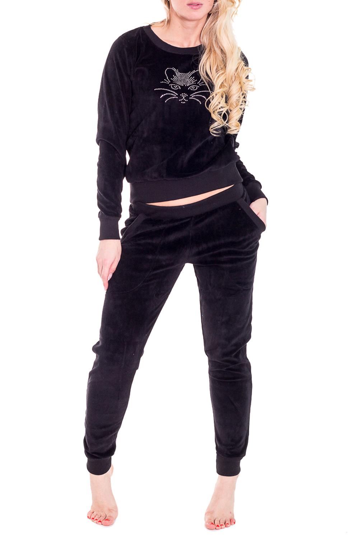 КостюмКомплекты и костюмы<br>Домашний костюм состоит из джемпера и брюк. В костюме Вы будете чувствовать себя комфортно, особенно, по вечерам после трудового дня.  Цвет: черный  Рост девушки-фотомодели 170 см<br><br>Горловина: С- горловина<br>По рисунку: Однотонные<br>По сезону: Зима<br>По силуэту: Полуприталенные<br>По форме: Брючные,Костюм двойка<br>По элементам: С декором<br>Рукав: Длинный рукав<br>По длине: Ниже колена<br>По материалу: Хлопок<br>Размер : 40,54<br>Материал: Хлопок<br>Количество в наличии: 2