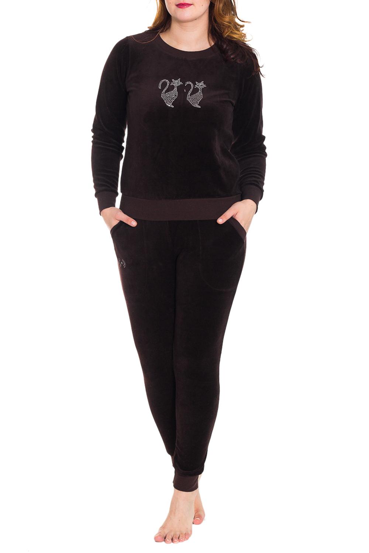 КостюмКомплекты и костюмы<br>Домашний костюм состоит из джемпера и брюк. В костюме Вы будете чувствовать себя комфортно, особенно, по вечерам после трудового дня.  Цвет: коричневый  Рост девушки-фотомодели 180 см<br><br>Горловина: С- горловина<br>По рисунку: Однотонные<br>По сезону: Зима<br>По силуэту: Полуприталенные<br>По форме: Костюм двойка,Брючный костюм<br>По элементам: С декором<br>Рукав: Длинный рукав<br>По длине: Ниже колена<br>По материалу: Хлопок<br>Размер : 46,48<br>Материал: Хлопок<br>Количество в наличии: 2