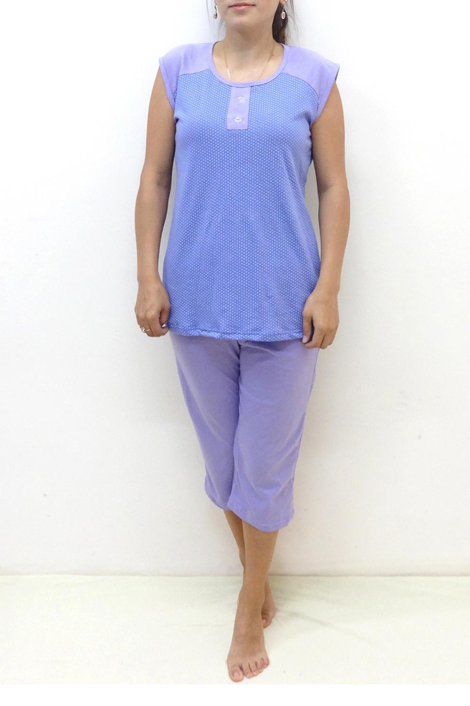 ПижамаПижамы<br>Цветная пижама состоит из туники и бридж. Домашняя одежда, прежде всего, должна быть удобной, практичной и красивой. В наших изделиях Вы будете чувствовать себя комфортно, особенно, по вечерам после трудового дня.  В изделии использованы цвета: сиреневый, голубой  Ростовка изделия 170 см.<br><br>Горловина: С- горловина<br>По рисунку: В горошек,Цветные,С принтом<br>По сезону: Весна,Зима,Лето,Осень,Всесезон<br>По силуэту: Полуприталенные<br>По форме: Брючные,Костюм двойка<br>По длине: Ниже колена<br>Рукав: Без рукавов<br>По материалу: Хлопок<br>Размер : 44,46,48,52,54<br>Материал: Хлопок<br>Количество в наличии: 9