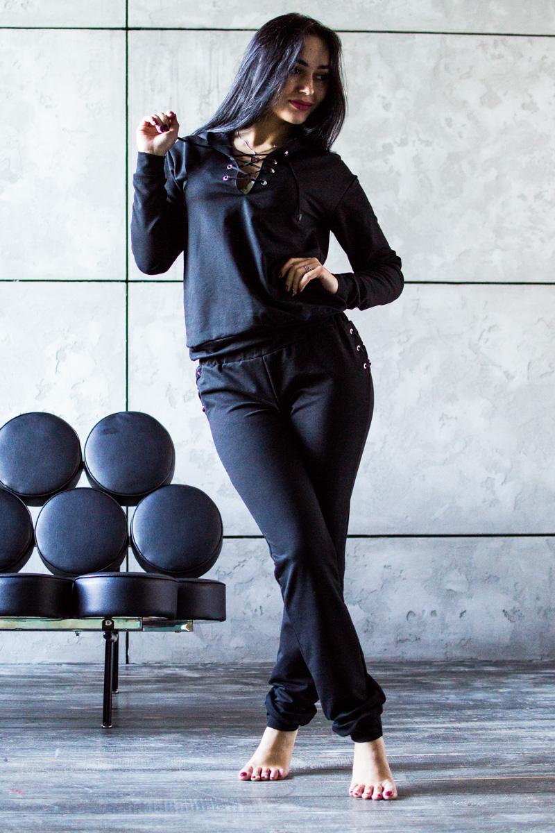 КостюмКомплекты и костюмы<br>Хлопковый костюм состоит из кофты и брюк. Домашняя одежда, прежде всего, должна быть удобной, практичной и красивой. В нашей одежде Вы будете чувствовать себя комфортно, особенно, по вечерам после трудового дня.  В изделии использованы цвета: черный  Ростовка изделия 164 см.  Параметры размеров: 40 размер - обхват груди 80 см., обхват талии 62 см., обхват бедер 86 см. 42 размер - обхват груди 84 см., обхват талии 66 см., обхват бедер 92 см. 44 размер - обхват груди 88 см., обхват талии 70 см., обхват бедер 96 см. 46 размер - обхват груди 92 см., обхват талии 74 см., обхват бедер 100 см. 48 размер - обхват груди 96 см., обхват талии 78 см., обхват бедер 104 см. 50 размер - обхват груди 100 см., обхват талии 82 см., обхват бедер 108 см. 52 размер - обхват груди 104 см., обхват талии 86 см., обхват бедер 112 см. 54 размер - обхват груди 108 см., обхват талии 90 см., обхват бедер 116 см. 56 размер - обхват груди 112 см., обхват талии 94 см., обхват бедер 120 см. 58 размер - обхват груди 116 см., обхват талии 98 см., обхват бедер 124 см. 60 размер - обхват груди 120 см., обхват талии 100 см., обхват бедер 128 см.<br><br>Длина: Макси<br>Материал: Трикотаж,Хлопок<br>Рисунок: Однотонные<br>Рукав: Длинный рукав<br>Сезон: Весна,Зима,Лето,Осень,Всесезон<br>Силуэт: Полуприталенные<br>Форма: Брючный костюм,Костюм двойка<br>Элементы: С декором,С манжетами<br>Размер : 42,44,46<br>Материал: Трикотаж<br>Количество в наличии: 3