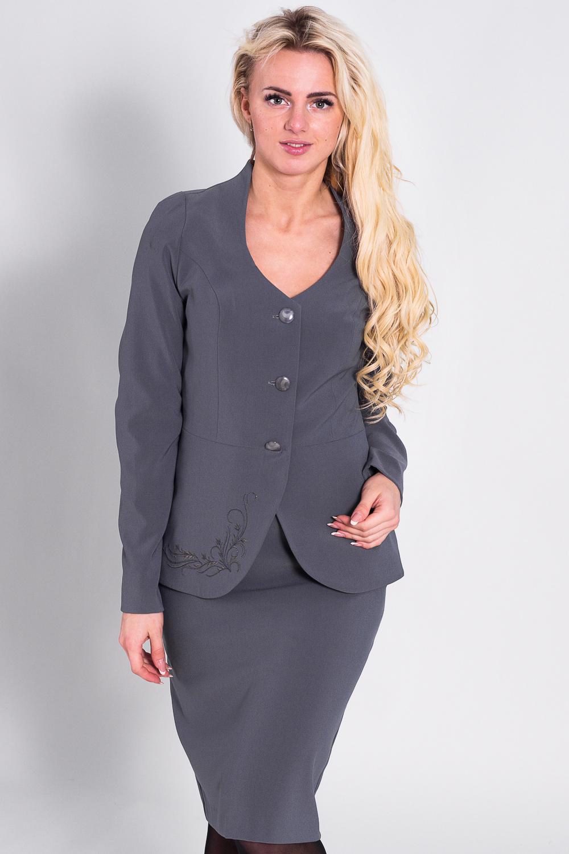 КостюмКостюмы<br>Отличный костюм из плотной костюмной ткани. Костюм состоит из жакета и юбки. Отличный выбор для повседневного и делового гардероба.  Цвет: серый  Рост девушки-фотомодели 170 см.<br><br>По образу: Город,Офис,Свидание<br>По стилю: Офисный стиль,Повседневный стиль<br>По материалу: Костюмные ткани,Шерсть<br>По рисунку: Однотонные<br>По сезону: Зима<br>По силуэту: Приталенные<br>По элементам: С баской,С декором<br>По форме: Юбочные,Костюм двойка<br>По длине: До колена<br>Рукав: Длинный рукав<br>Горловина: С- горловина<br>Застежка: С пуговицами<br>Размер: 44,46,48,52<br>Материал: 62%полиэстер 30%шерсть 8%лайкра<br>Количество в наличии: 1