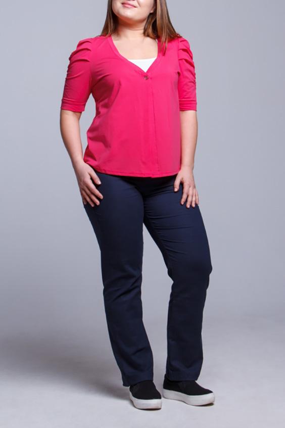 ГарнитурЖакеты<br>Великолепный гарнитур состоит из жакета и футболки. Модель выполнена из приятного материала. Отличный выбор для повседневного гардероба.  В изделии использованы цвета: розовый, белый и др.  Ростовка изделия 170 см.<br><br>Горловина: V- горловина,С- горловина<br>По материалу: Трикотаж,Хлопок<br>По рисунку: Цветные<br>По силуэту: Полуприталенные<br>По стилю: Повседневный стиль<br>Рукав: Короткий рукав<br>По сезону: Лето<br>Размер : 48,50,52<br>Материал: Трикотаж<br>Количество в наличии: 6