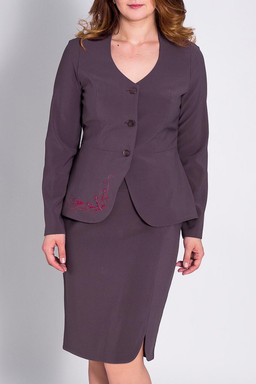 КостюмКостюмы<br>Отличный костюм из плотной костюмной ткани. Костюм состоит из жакета и юбки. Отличный выбор для повседневного и делового гардероба.  Цвет: фиолетовый  Рост девушки-фотомодели 180 см.<br><br>Горловина: С- горловина<br>Застежка: С пуговицами<br>По длине: До колена<br>По материалу: Костюмные ткани,Шерсть<br>По рисунку: Однотонные<br>По силуэту: Приталенные<br>По стилю: Офисный стиль,Повседневный стиль<br>По форме: Костюм двойка,Юбочные<br>По элементам: С баской,С декором<br>Рукав: Длинный рукав<br>По сезону: Зима<br>Размер : 48<br>Материал: Костюмная ткань<br>Количество в наличии: 1